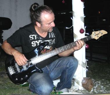 Luca Bona, Cosmopolitalian from Messico dal 2012