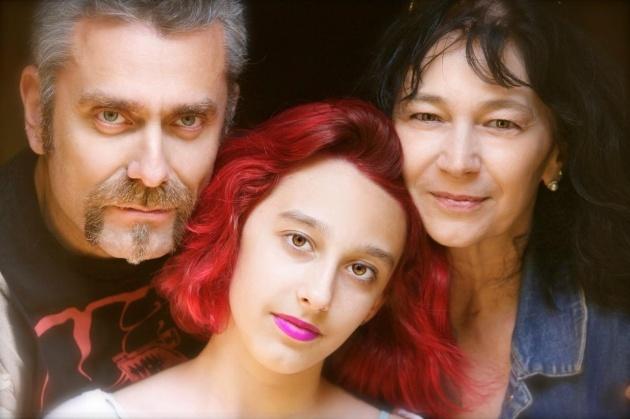 Paola in compagnia del marito regista Max  e della figlia Elisa