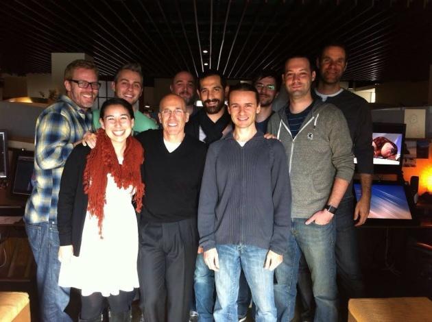 Marco, al centro, con il gruppo di colleghi della DreamWorks al termine dell'ultimo progetto: 'Dragons 2'